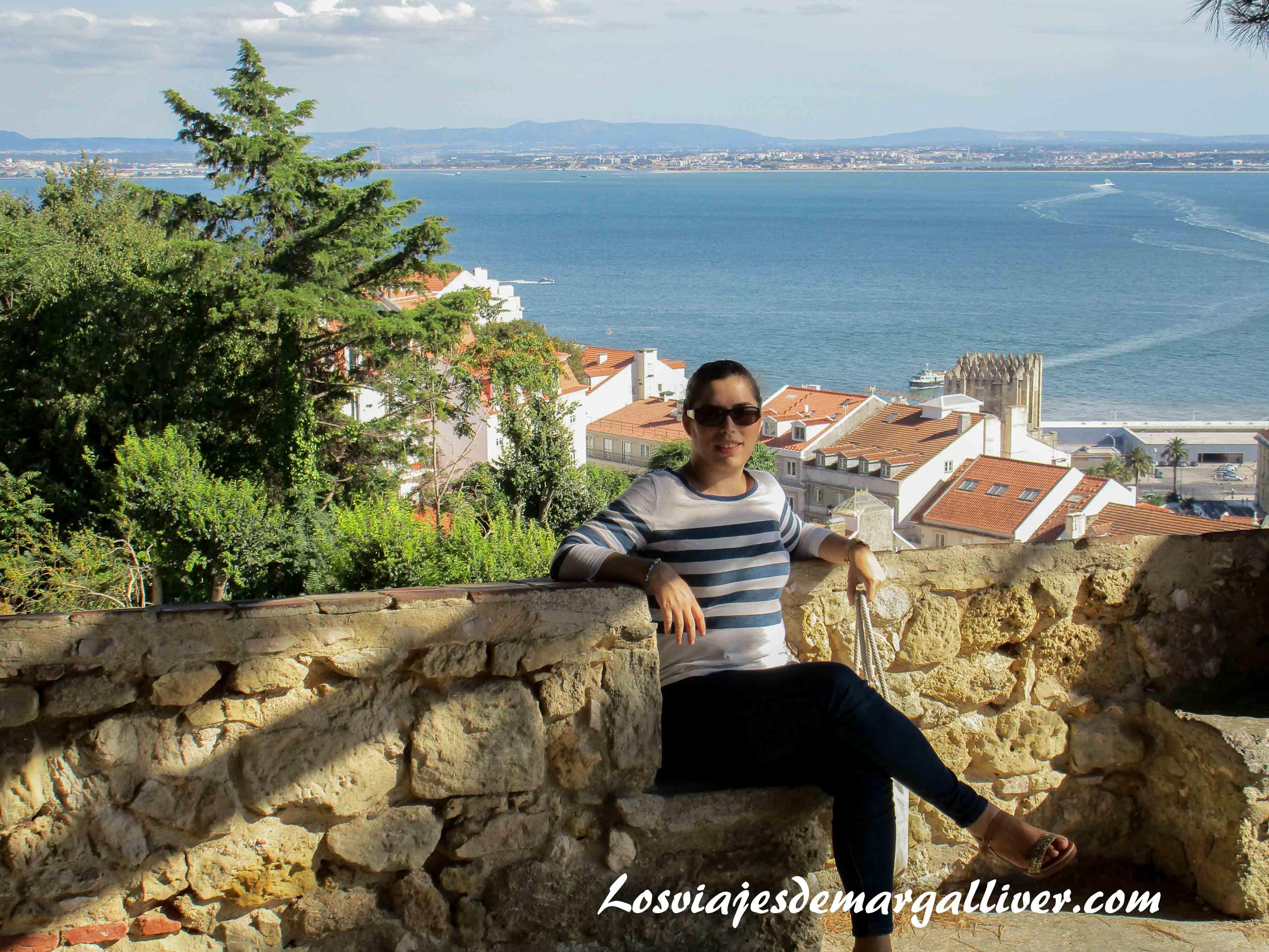Margalliver en el castillo de San Jorge en Lisboa - Los viajes de Margalliver